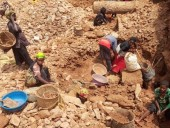 В Конго в результате обвала шахты по добыче золота погибли 50 человек
