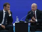 Le Monde: Путин во время беседы с Макроном заявил, что Навальный якобы сам мог принять