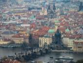 Чехия вводит комендантский час из-за распространения COVID-19