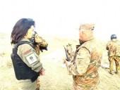 Супруга премьера Армении вместе с отрядом женщин решила уйти на фронт