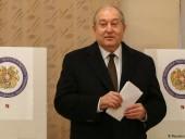 Президент Армении выступил за отставку правительства