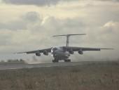 Россия направила в Нагорный Карабах восемь самолетов с техникой и военными