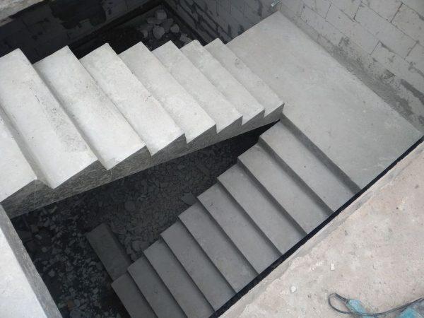 Монолитные бетонные лестницы от проверенной компании
