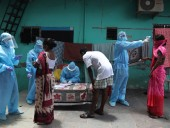 Пандемия: почти 70% жителей Индии не хотят вакцинироваться от COVID-19, в стране более 10 млн случаев болезни