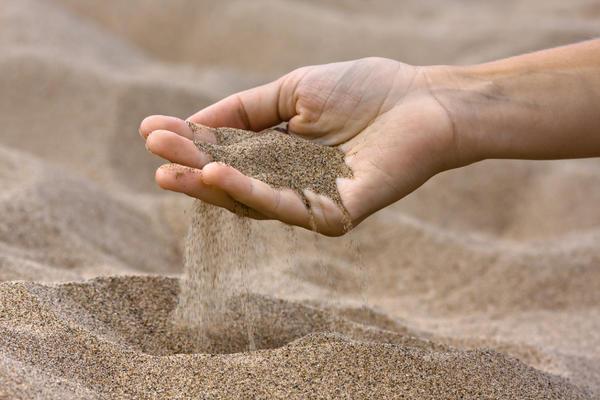 Недорогой строительный песок с доставкой