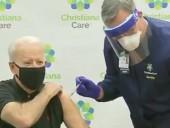 Байден получил вторую дозу вакцины от COVID-19 в прямом эфире