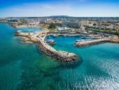 Кипр открывает свои границы для туристов: смогут ли этим воспользоваться украинцы