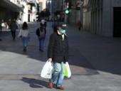 Во Франции власти ужесточили ограничения по коронавирусу в 15 регионах