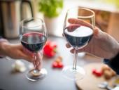 Новые исследования показали, что танины в вине помогают организму бороться с COVID-19