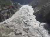 Схождение ледника в Гималаях: уже извлечены тела десяти погибших
