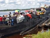По меньшей мере 60 человек погибли в результате крушения баржи на реке Конго