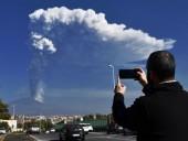 Вулкан Этна выбросил столб пепла на 12 километров