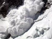 В России сошла лавина: под завалами могут находиться 15 человек