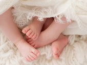 Ученые обнаружили, что в мире рождается все больше близнецов