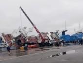В России на судостроительном заводе перевернулся корабль с людьми