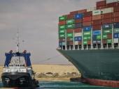 Ситуация в Суэцком канале: из-за контейнеровоза уже 369 суден, включая 25 танкеров попали в