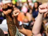 В Бельгии антирасистский протест полицейские разгоняли водометами