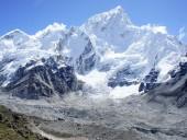 Власти Непала сняли запрет на восхождение на Эверест, введенный ранее из-за COVID-19