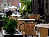В Латвии разрешат работу летних террас