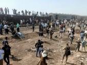 Поезд сошел с рельсов в Египте: около сотни пострадавших