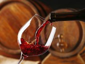 В мире за 2020 год выпили вина объемом с озеро Байкал