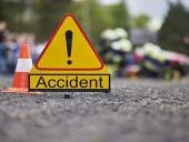 В Пакистане пассажирский фургон взлетел в канал: семь детей погибли