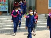 КНДР заявляет о сотнях детей-сирот, которые
