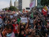 На протестах в Бразилии требуют импичмента президента