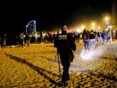В Барселоне полиция разогнала с улиц более 9 тыс. человек, празднующих ослабление локдауна
