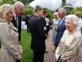 Байден и первая леди США проводят встречу с Елизаветой ІІ