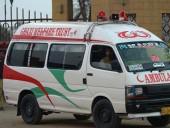 В Пакистане пассажирский фургон упал в ущелье: восемь человек погибли, трое - пострадали