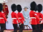 Елизавета II отметила официальный день рождения с парадом