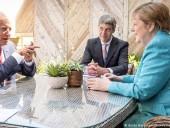 Обсуждали Украину: Меркель провела встречу с Байденом на полях саммита G7
