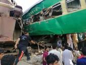Столкновение поездов в Пакистане: количество погибших возросло до 32
