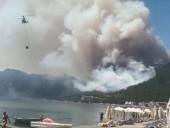 В турецком Мармарисе возник лесной пожар: ближайшие отели с туристами эвакуируют
