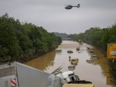 В результате наводнения на западе Германии произошел разлив нефти
