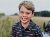 Британский принц Джордж празднует свое 8-летие: королевский двор поделился новым фото именинника