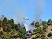Лесной пожар на Кипре, бушующий второй день подряд, унес жизни четырех человек