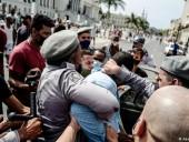 Активисты на Кубе сообщили о тысячах задержанных протестующих