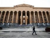 Ситуация в Грузии после атаки на ЛГБТ-марш: в здании парламента произошла стычка при попытке СМИ поговорить с властью