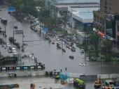 Ливень затопил метро в Китае: погибли 12 человек