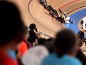 Олимпиада-2020: нидерландская велогонщица госпитализирована после столкновения с британкой на велотреке