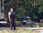 В США самолет упал на жилой дом: есть погибшие