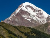 Украинские альпинисты попали под лавину в Северной Осетии - СМИ