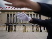 Китайские партийные СМИ утверждают, что США ищут информаторов среди китайских ученых и медиков в Ухане