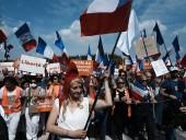 Более 140 тыс. человек пришли на акции протеста против санитарных пропусков во Франции
