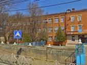 В школе Махачкалы распылили газ: 19 детей попали в больницу, трое - в реанимации