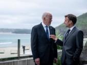 Байден запросил телефонный разговор с президентом Франции Макроном - СМИ